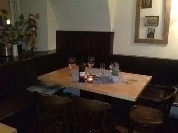 Gasthaus Keintzel Linzer Innenstadt. Ein Geheimtipp: Schweinsbraten – Knödel – Kraut aus der Rein – Tradition inÖsterreich