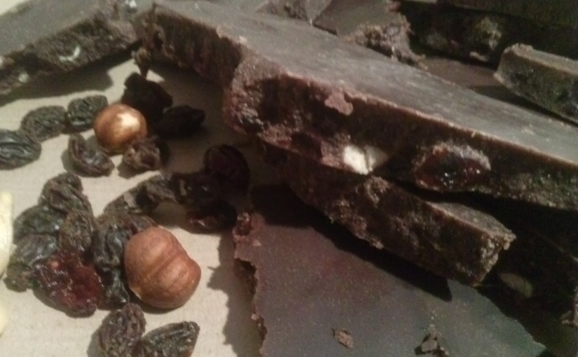 Wie du Vegane Schokolade selbermachst. Schokolade komplett ohne tierischeZutaten.