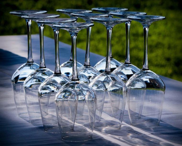 wine-glasses-176991_1280