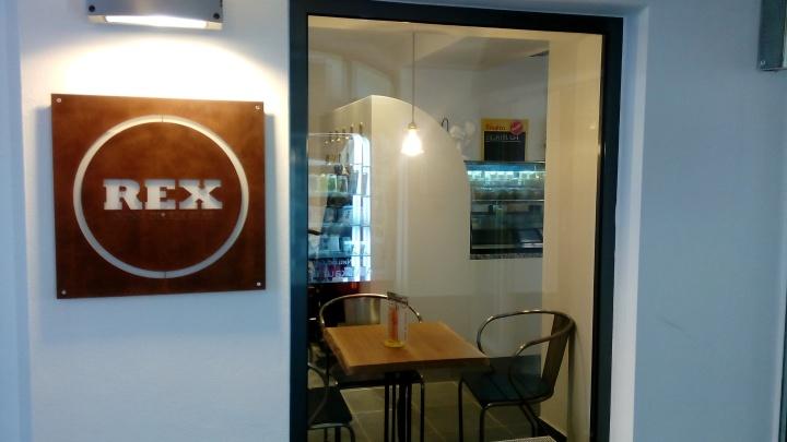 Auf ein DIRNDL mit Essen im REX-Glas – neues Lokal in LINZ:REX