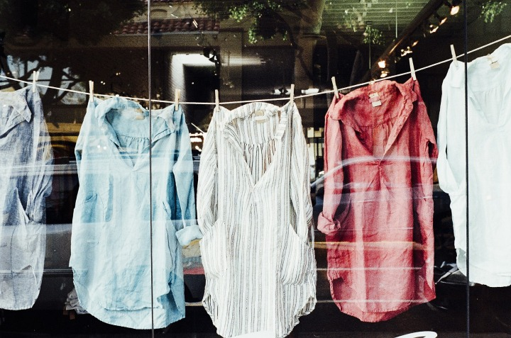 Raus mit den Klamotten! Wie du nachhaltig Klamotten in Linzloswirst.