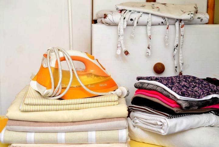 ironing-service-560700_1920