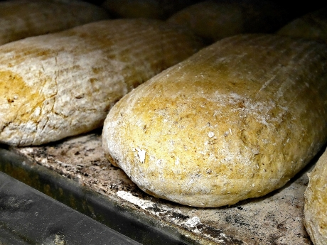 Bildcredits: Dorisworld.at | Fertiges Brot im Ofen