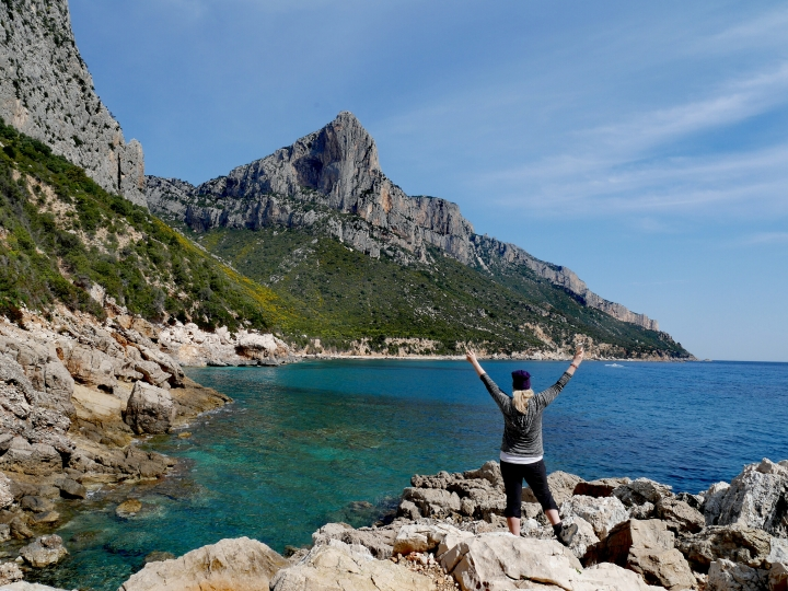 Wandern durch die Mittelmeer-Karibik | Die wilde Ostküste in Sardinien | Aktiv-Alleinreise-Urlaubstipp
