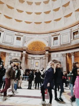 Bildcredits: Dorisworld.at   Pantheon, huch da ist ein Loch
