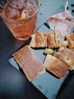 Bildcredits: Dorisworld.at | Aperol-Spritz mit Tapas in Alba